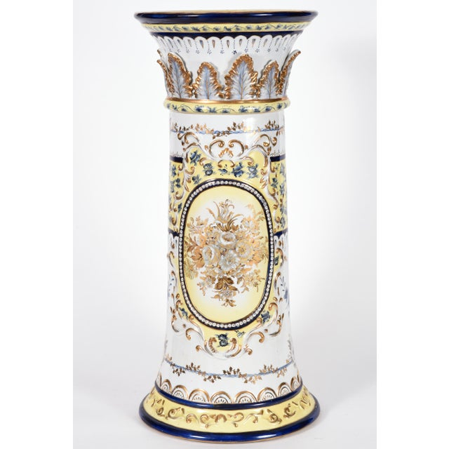 French French Neoclassical Style Porcelain Plant Stand With Cache Pot - 2 Pc. Set For Sale - Image 3 of 13