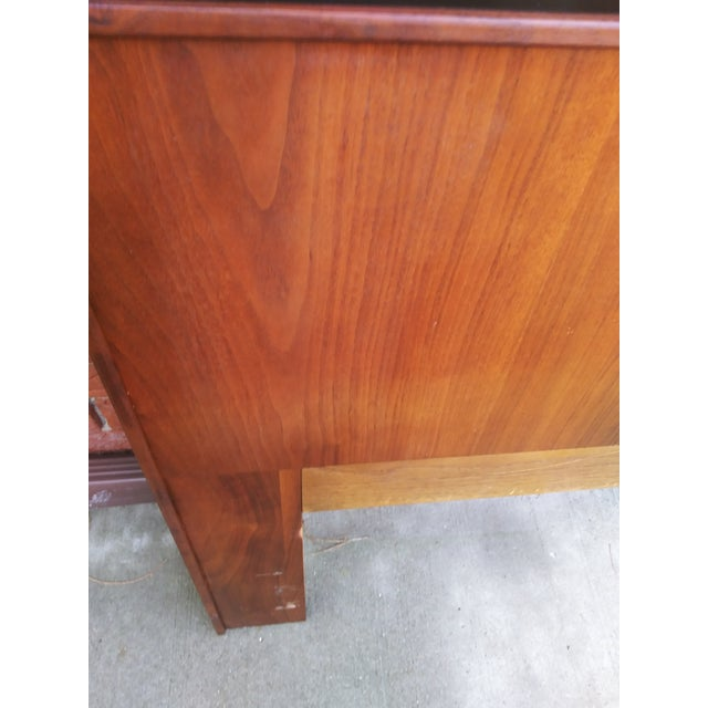 1960s Mid Century Modern Dillingham Espirit Walnut Headboard For Sale - Image 5 of 10
