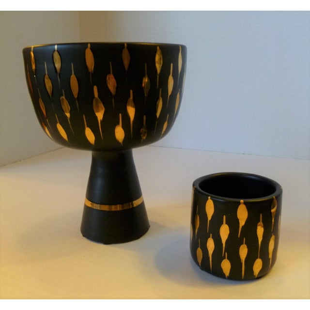 1960s Italian Mid-Century Modern Pottery Vessels in Gold and Black Design - a Pair For Sale - Image 9 of 9