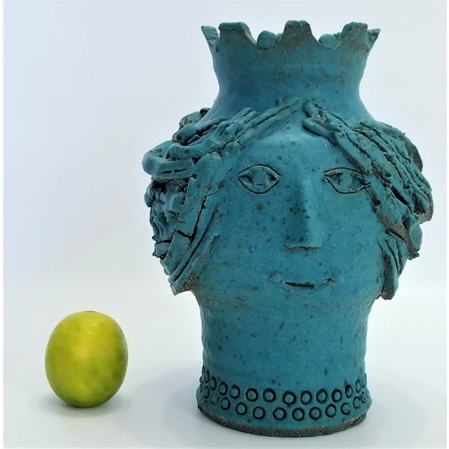 Offering a rare vintage hand-made Studio Art Pottery bust vase by Maurice Grossman, circa 1970s. Maurice Kenneth Grossman...
