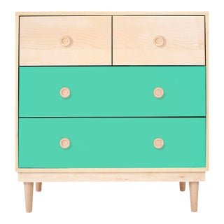 Lukka Modern Kids 4-Drawer Dresser in Maple With Mint Finish For Sale