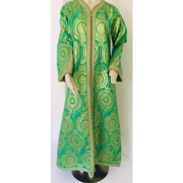 Moroccan Artist Elegant Moroccan Caftan Lime Green and Gold Metallic Floral Brocade For Sale - Image 4 of 13