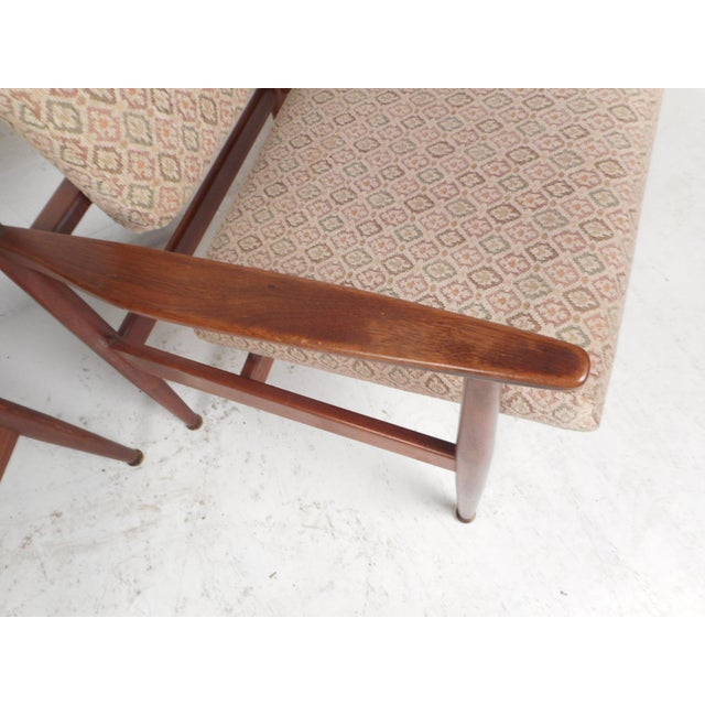 Brown 1960d Mid-Century Modern Jens Risom Design Walnut Lounge Chairs - a Pair For Sale - Image 8 of 10