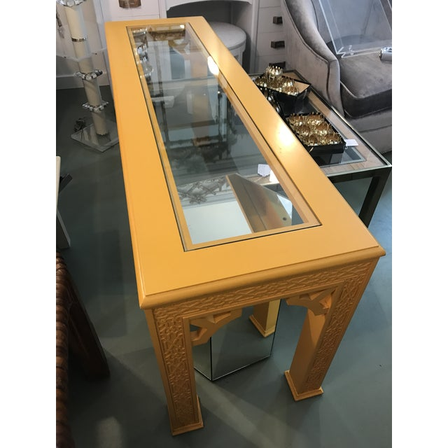 Hollywood Regency Vintage Fretwork Chinoiserie Console Table with Glass Insert For Sale - Image 3 of 10