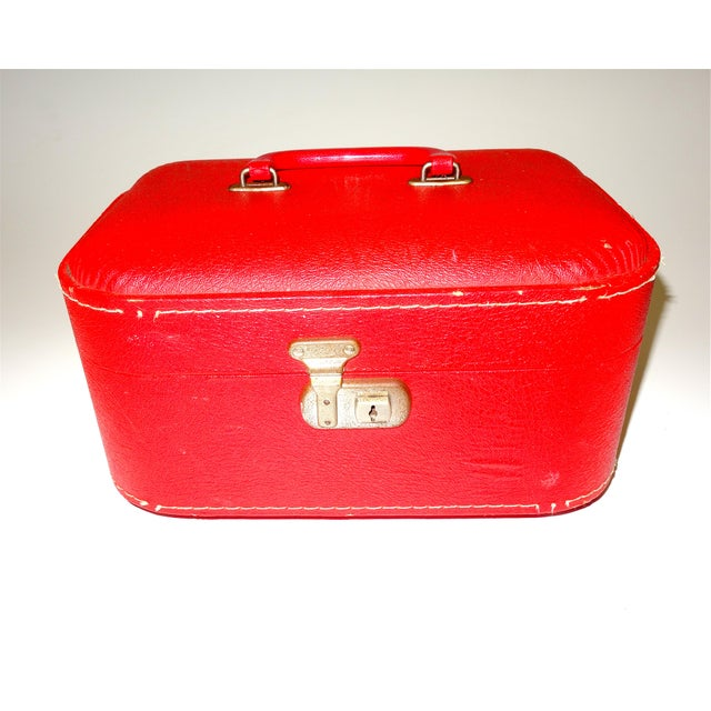 Mid 20th Century Pair of Mid 20th Century Luggage Set For Sale - Image 5 of 13