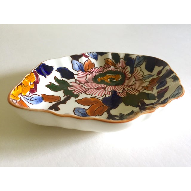 1980s Gien France Rare Vintage 1985 Faience Ruffle Edge Small Hand Painted Floral Ceramic Dish For Sale - Image 5 of 13