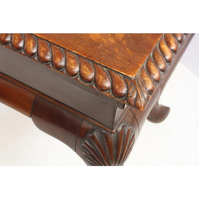 George II Irish Serving Table with Crest, a Cock's Head Erased For Sale In Dallas - Image 6 of 9