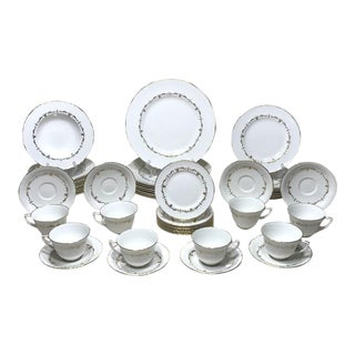 Royal Worcester 'Gold Chantilly' Dinnerware Service for 8 - 48 Piece Set For Sale