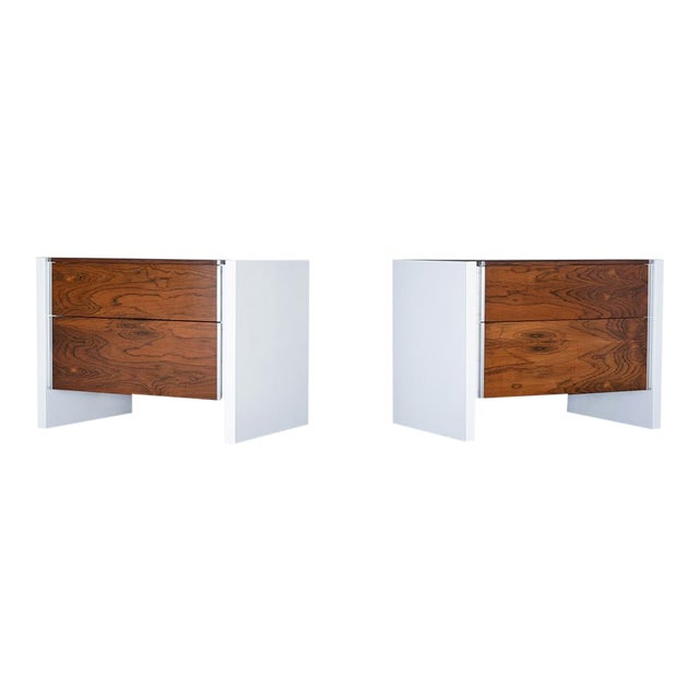 Pair of White Lacquered Glenn California Nightstands For Sale