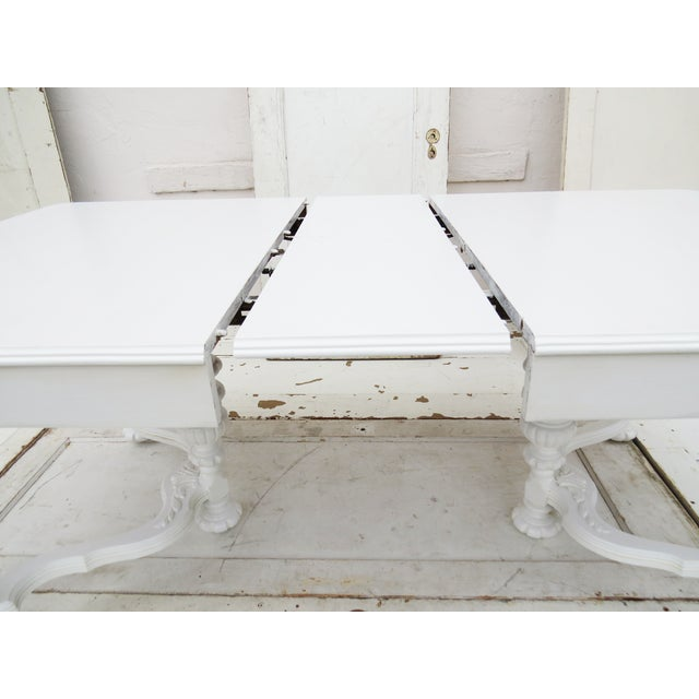 Manor Antique White Dining Table - Image 4 of 5