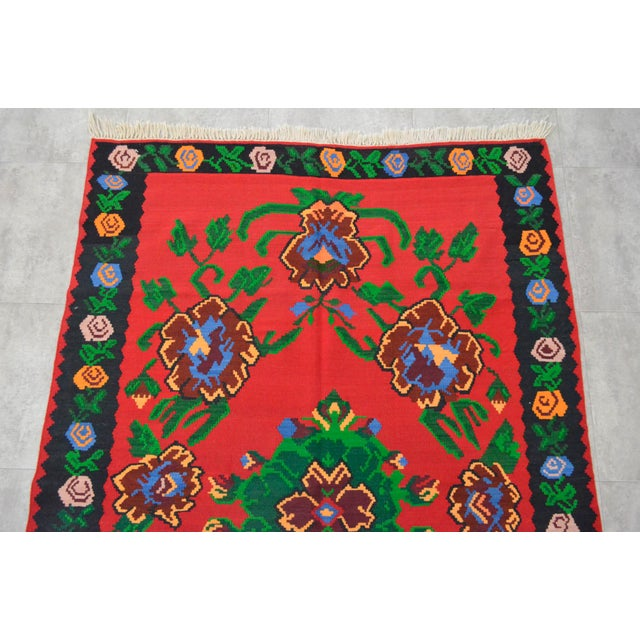 Vintage Turkish Floral Kilim Area Rug - 5′3″ X 7′5″ For Sale - Image 6 of 8