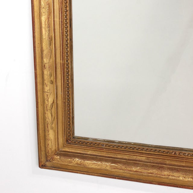 Giltwood 19th Century French Louis Philippe Gilt Mirror With Floral Design For Sale - Image 7 of 11