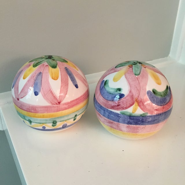 1980s Mid-Century Modern Hand Painted Ball-Shaped Salt and Pepper Shakers - a Pair For Sale - Image 6 of 6