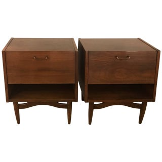1950s Vintage American of Martinsville Nightstands- A Pair For Sale