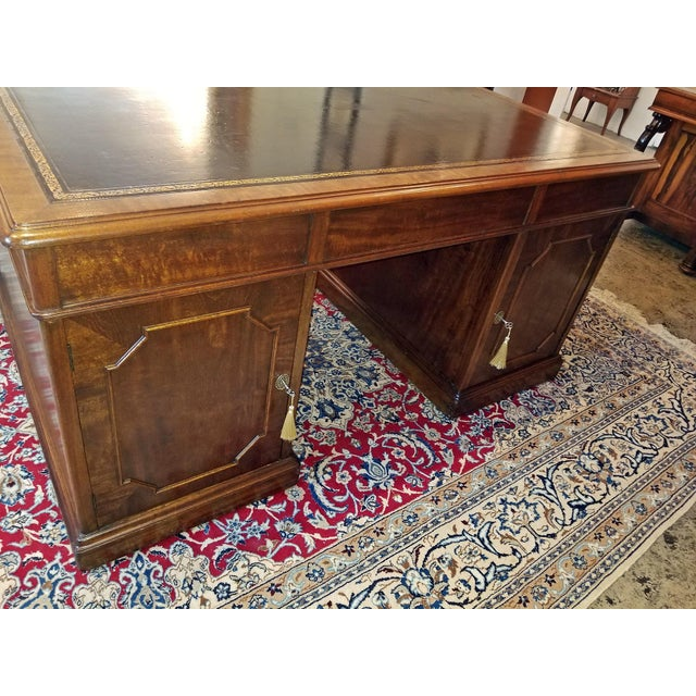 Early 19th Century William IV Mahogany Partners Desk For Sale - Image 10 of 13
