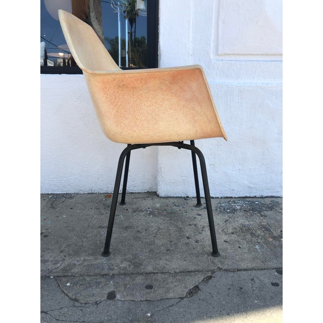 1960s 1960s Vintage Molded Fiberglass Eames Herman Miller Style Armchair For Sale - Image 5 of 13