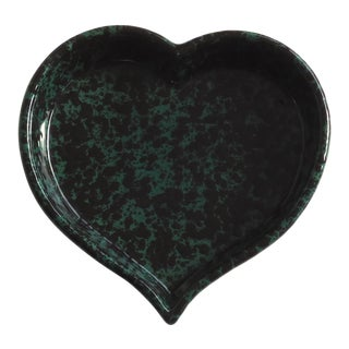 Vintage Heart Shaped Bennington Pottery Baking or Serving Dish For Sale