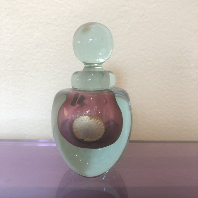 Exquisite two-tone Archimede Seguso perfume bottle circa 1950 with rounded stopper and original label.