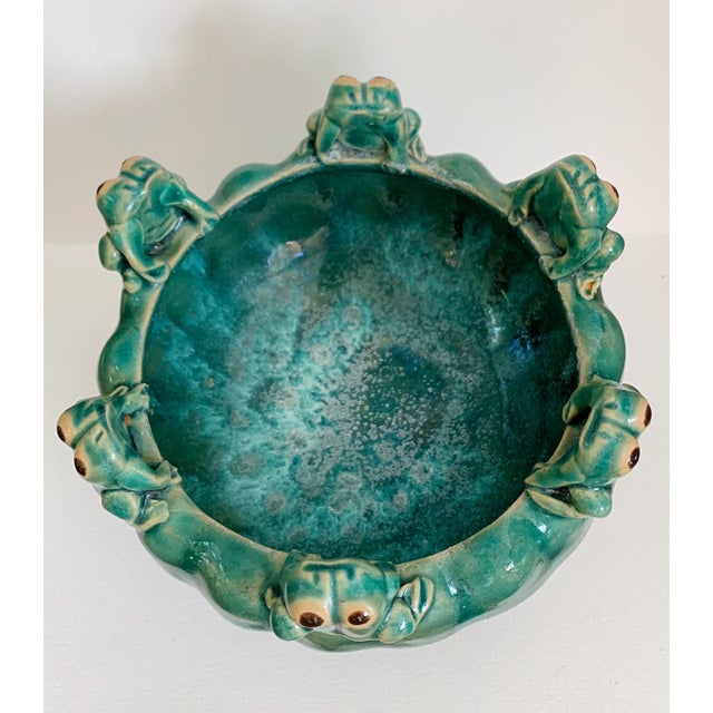 Vintage Majolica Glazed Pottery Footed Planter With 6 Sitting Frogs For Sale In Miami - Image 6 of 11