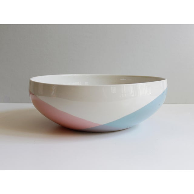Beautiful vintage ceramic serving bowl designed by Eva Zeisel for Hall China. The pattern is called Tritone and it...