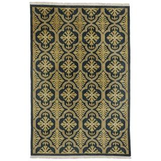 Vintage Hollywood Regency Quatrefoil Indian Rug With Damask Pattern - 5'9 X 8'6 For Sale