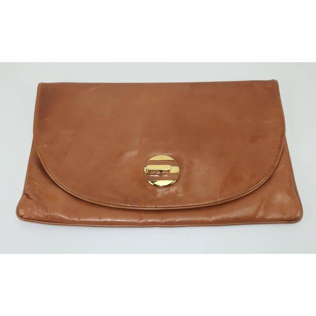 1970s 1970's Bottega Veneta Large Envelope Leather Clutch Handbag For Sale - Image 5 of 12