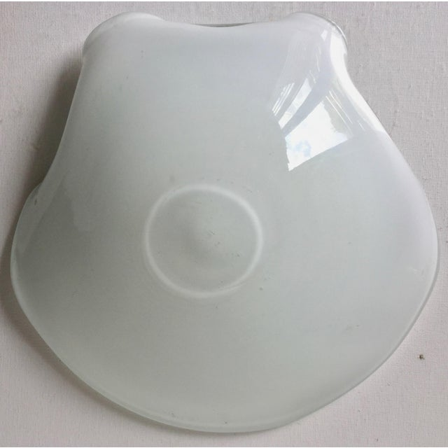 """1960s Vintage Murano 9"""" Hand-Blown White Glass Dish For Sale - Image 5 of 10"""