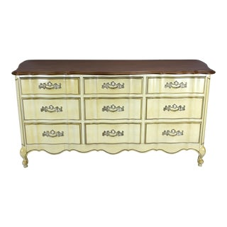 Vintage French Provincial Dresser of 9-Drawers