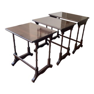 1980s Traditional Ethan Allen Nesting Tables - Set of 3 For Sale