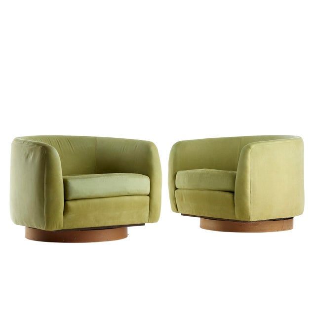 1950s Mid Century Selig Milo Baughman Style Barrel Swivel Lounge Chairs - a Pair For Sale - Image 5 of 5