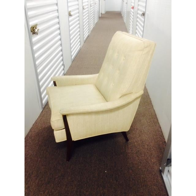 Mid-Century Modern Mid Century Modern White Lounge Chair For Sale - Image 3 of 3