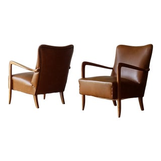 Mid 20th Century Italian Mid-Century Modern Leather Lounge Chairs With Rivets - a Pair For Sale