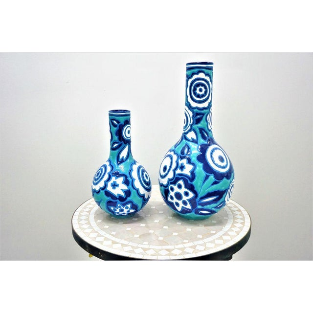 Italian Bold Blue & White Vases - A Pair For Sale In New York - Image 6 of 6