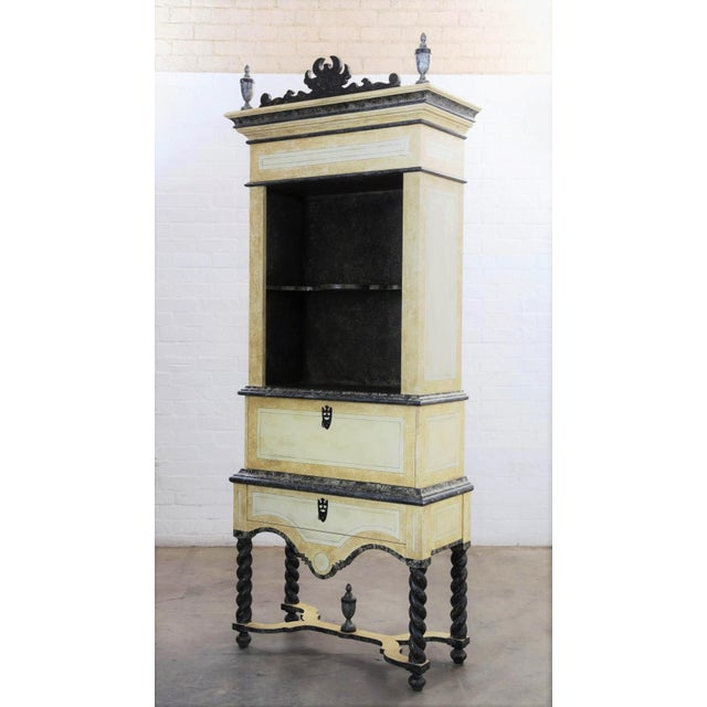 18th C Style Las Palmas Collection Paint Decorated Vitrine - Las Palmas Collection For Sale - Image 4 of 5