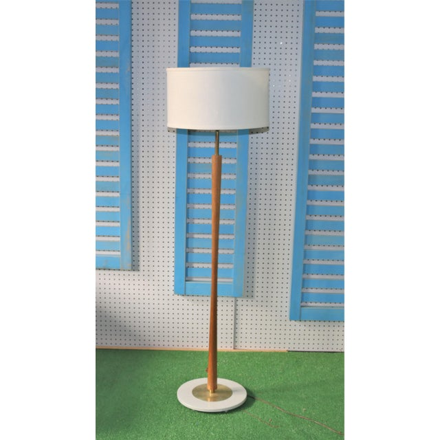 1960s Vintage Brass and Walnut Wood Floor Lamp For Sale - Image 5 of 5