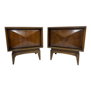 Mid-Century Modern United Diamond Front Walnut Nightstands-A Pair For Sale