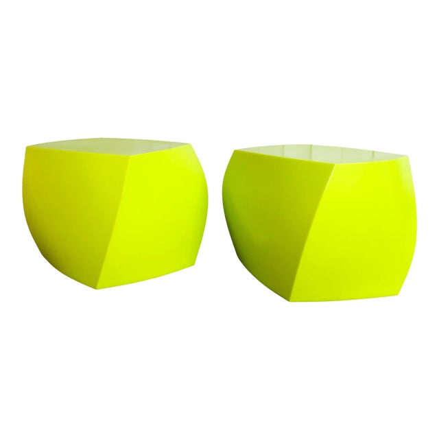 Twist Cubes by Frank Gehry for Heller- a Pair For Sale