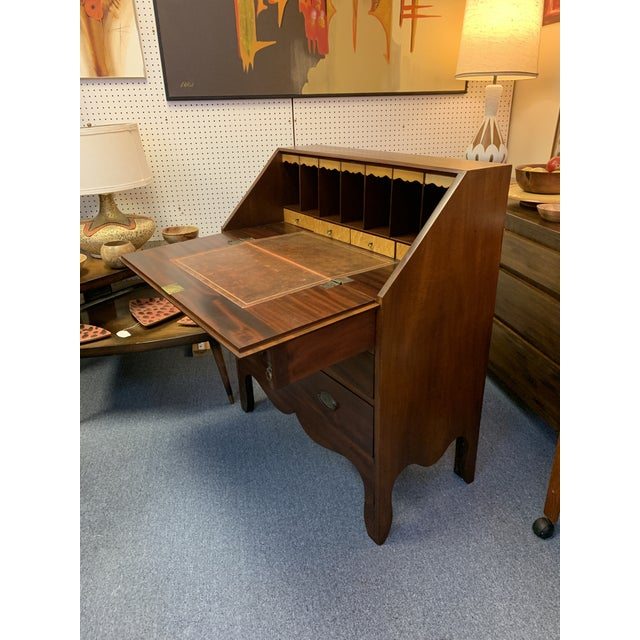 18th Century 19th Century Chippendale English Hepplewhite Style Drop Top Desk For Sale - Image 5 of 12
