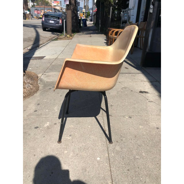 1960s Vintage Molded Fiberglass Eames Herman Miller Style Armchair For Sale - Image 4 of 13