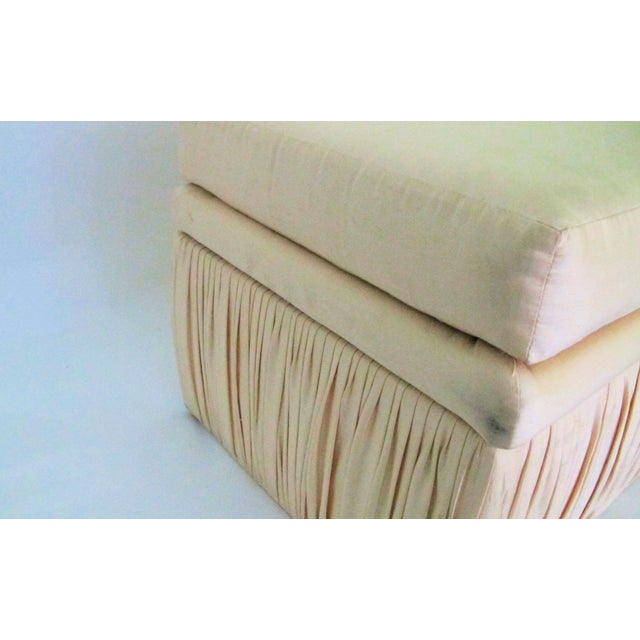 Hollywood Regency Off White Silk Storage Bench - Image 5 of 6