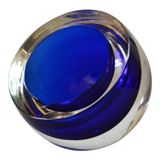 Signed Gino Cenedese Round Blue and Clear Murano Glass Ashtray, Italy 1960s For Sale