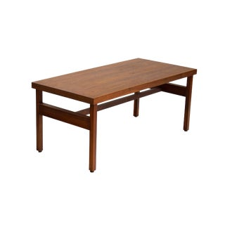 1970s Mid-Century Modern Rectangular Walnut Coffee Table For Sale