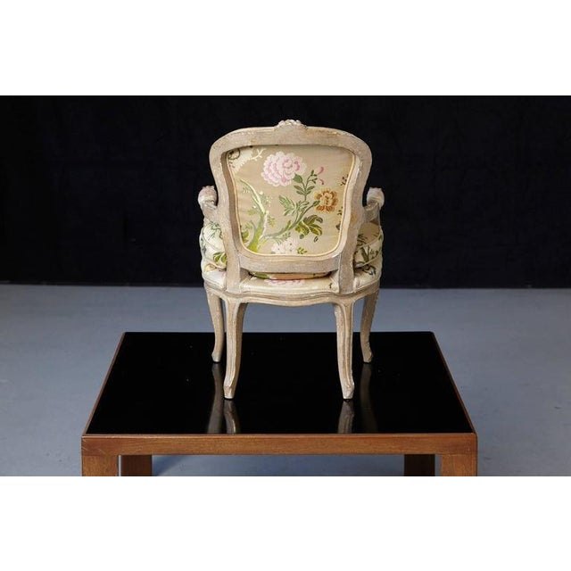 French Louis XV Style Painted Child's Fauteuil in Flower Chintz Fabric from ABC - Image 6 of 10