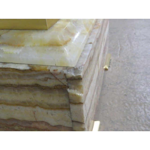 Early 20th Century Regency Style Marble / Onyx Pedestal For Sale - Image 5 of 9