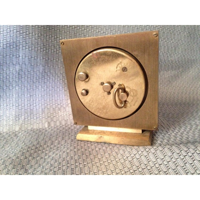 Mid-Century Modern Seth Thomas Keywound Dynaire No. 915 Clock For Sale - Image 3 of 5