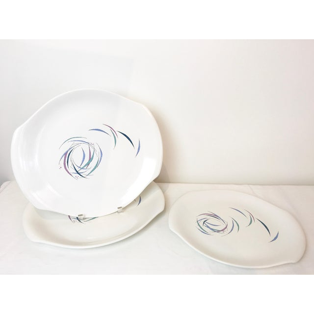 Mid-Century Modern Vintage 1950s Raymor Universal Sans Souci Pattern Serving Platters & Bowls Set, 7 Pieces For Sale - Image 3 of 10