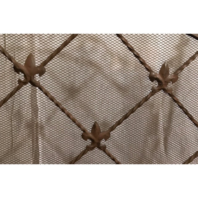 Enamel Antique French Wrought Iron Arched Fleur De Lis Folding Three Panel Fireplace Screen For Sale - Image 7 of 9