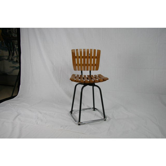 Chrome Vintage Mid Century Arthur Umanoff Style Slatted Swivel Chair For Sale - Image 7 of 7