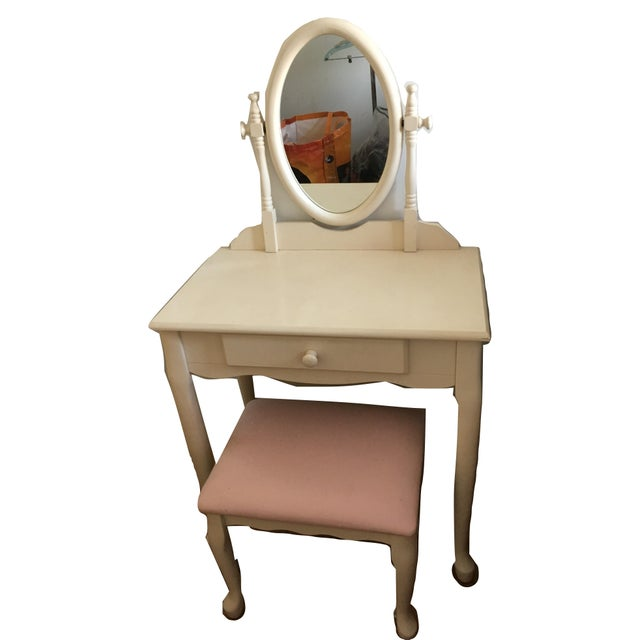 White Vanity With Mirror and Pink Stool Set For Sale - Image 4 of 10