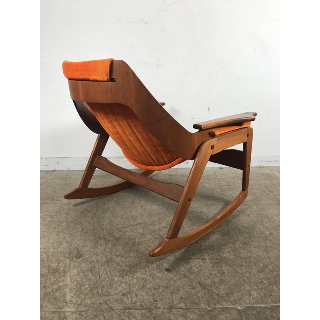 1960s Rare Jerry Johnson Midcentury Walnut Sling Rocking Chair 1960s For Sale - Image 5 of 9